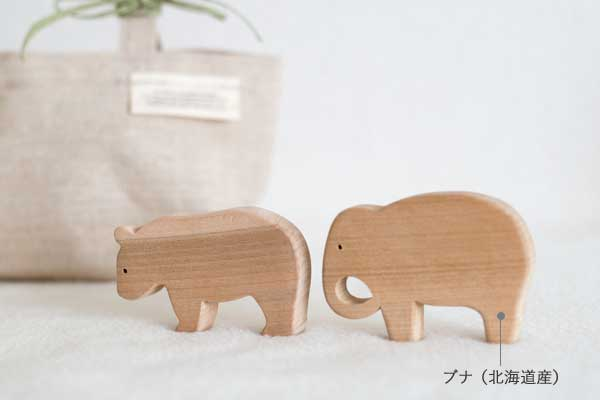 ゾウとくまの積み木拡大
