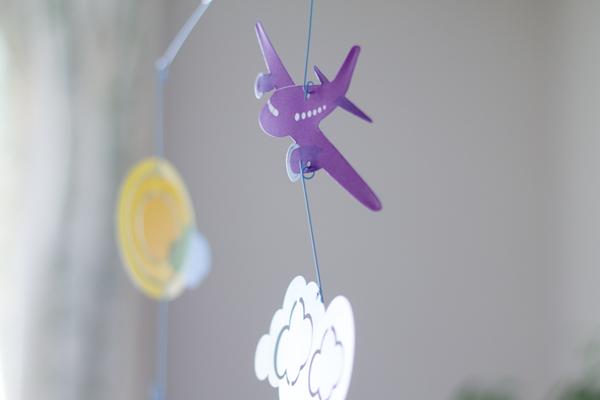 モビールの紫飛行機
