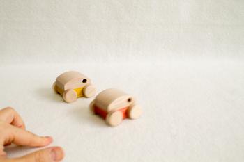 木のおもちゃ ガレージ