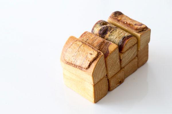 パーツで食パンを作った様子