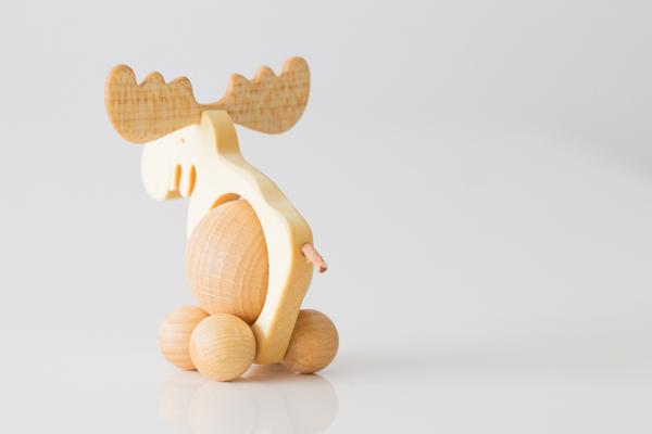 ドイツ木のおもちゃコロコロトナカイ後ろ姿