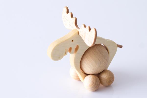 ドイツ木のおもちゃコロコロトナカイ上部拡大