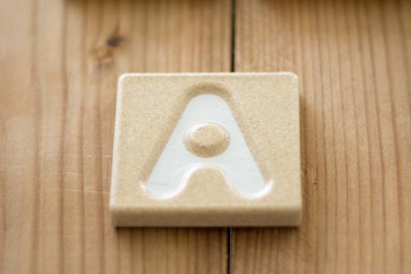 アルファベット「A」タイル