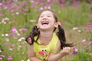 笑っている子ども
